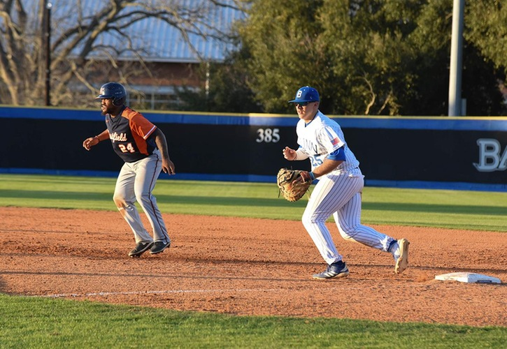 Blinn Baseball Downs Howard and No. 16 Navarro, 3-0 and 8-6