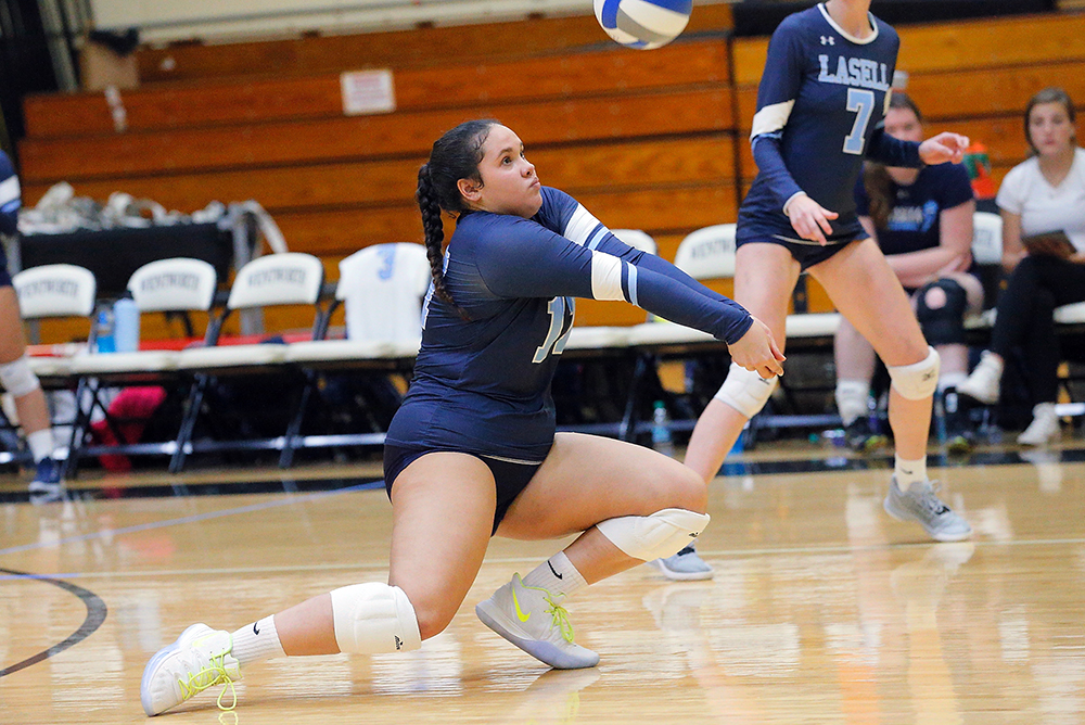 WVB: Lasell drops first match at Skidmore Classic; Perez Diaz posts double-double