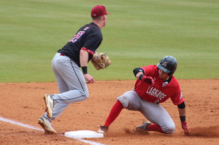 Baseball: Panthers walk off with 4-3 10-inning win over Maryville
