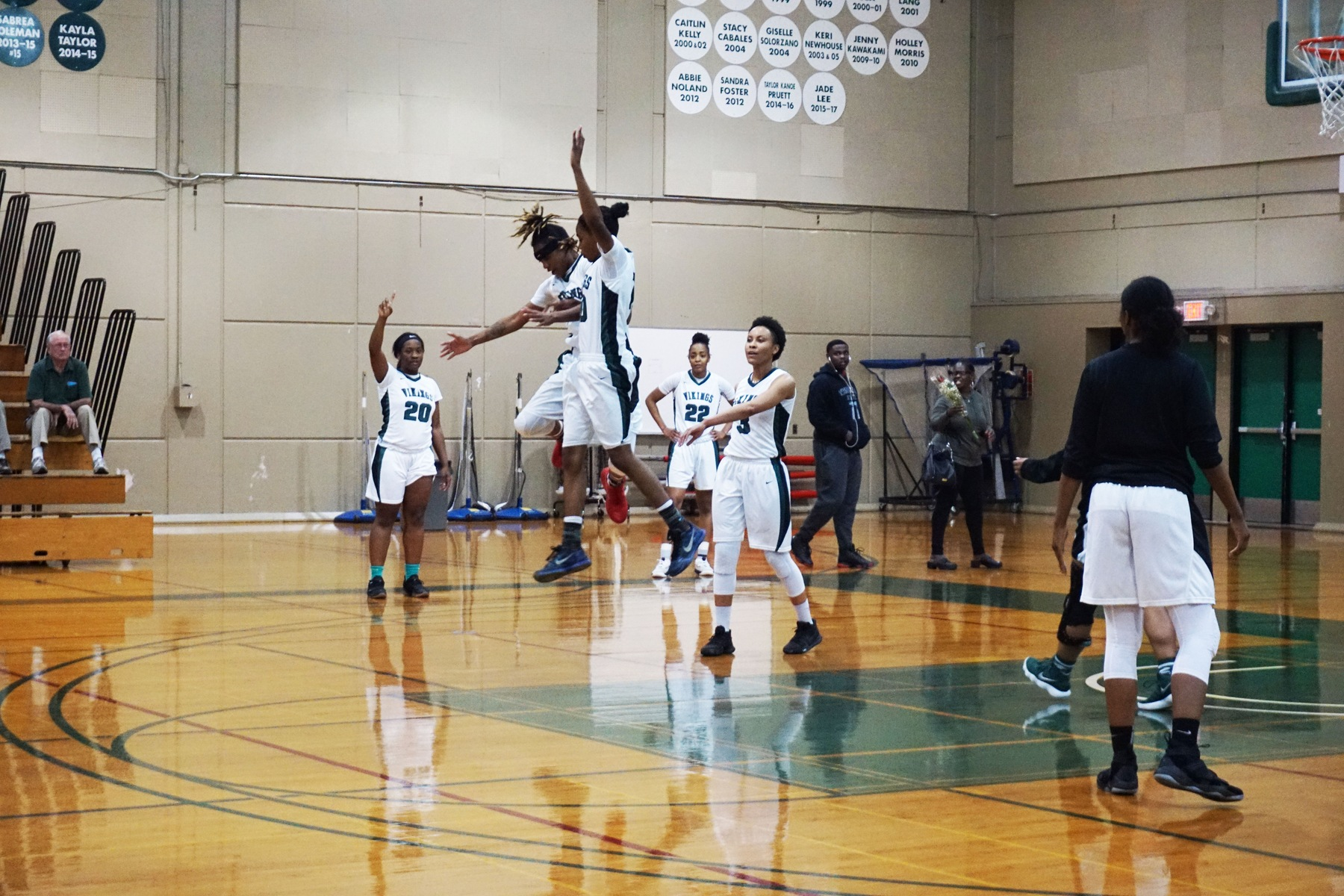 Lady Vikings win Mission College Tournament