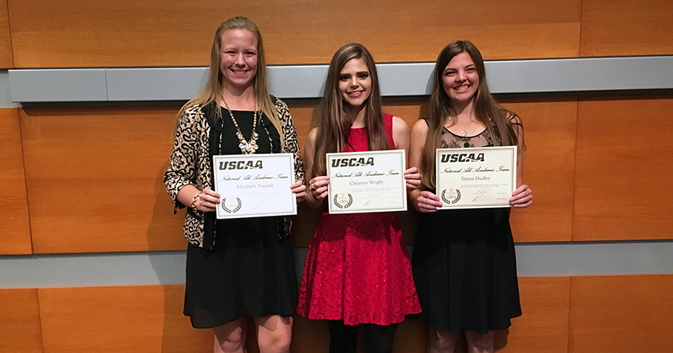Pomeroy Women's Cross Country Earns Honors at USCAA Banquet