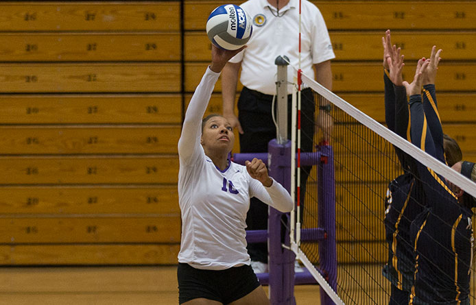 Women's volleyball wins third in four tries, downs Colby-Sawyer, 3-1