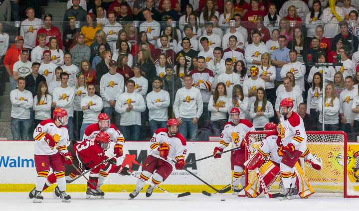 Ferris State Hockey Moves Up To #14 & #15 In National Polls This Week