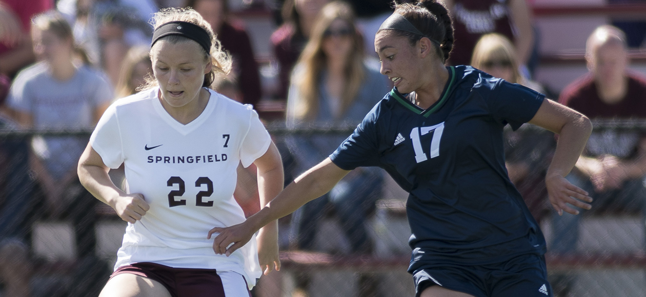 Women's Soccer Outlasts Wellesley, 4-1