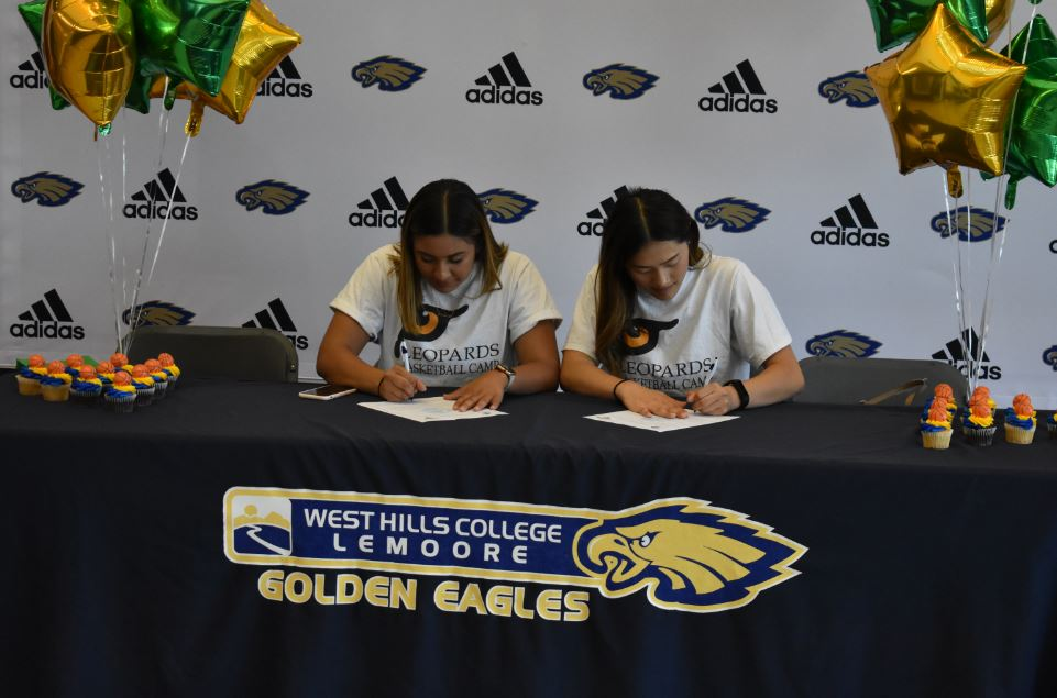 Women's Basketball Players Moving On: Ponce and Xiong Sign for University of LaVerne