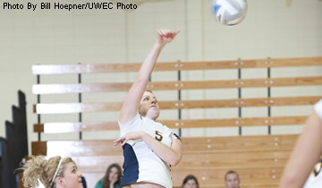 Blugolds Pick up Two 3-0 Wins