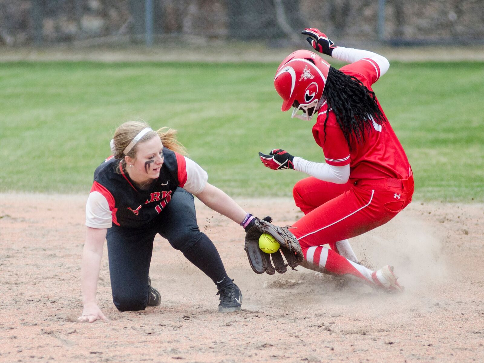 Springfield Sweeps Softball in NEWMAC Doubleheader
