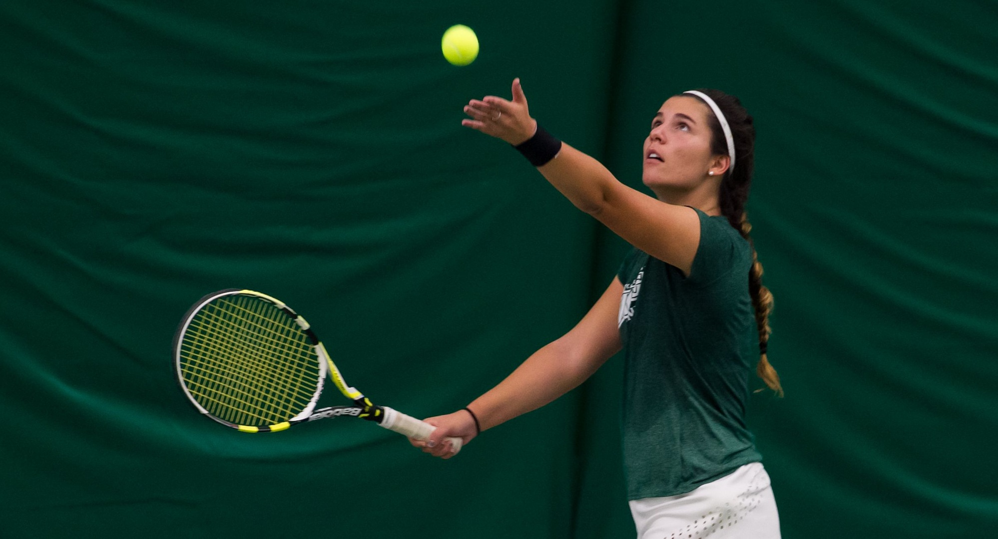 Women's Tennis Has Success On First Day Of Akron Shootout