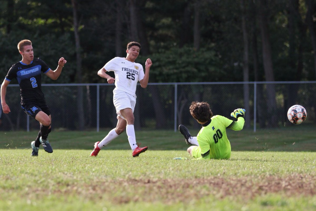 No. 18 Men's Soccer Wins Play-In Game to Advance in Region XX DI Tourney