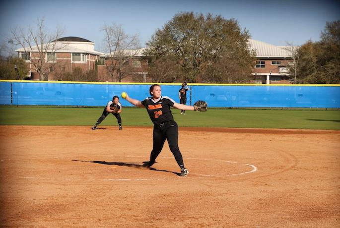 Lady Lions Split with Barton College