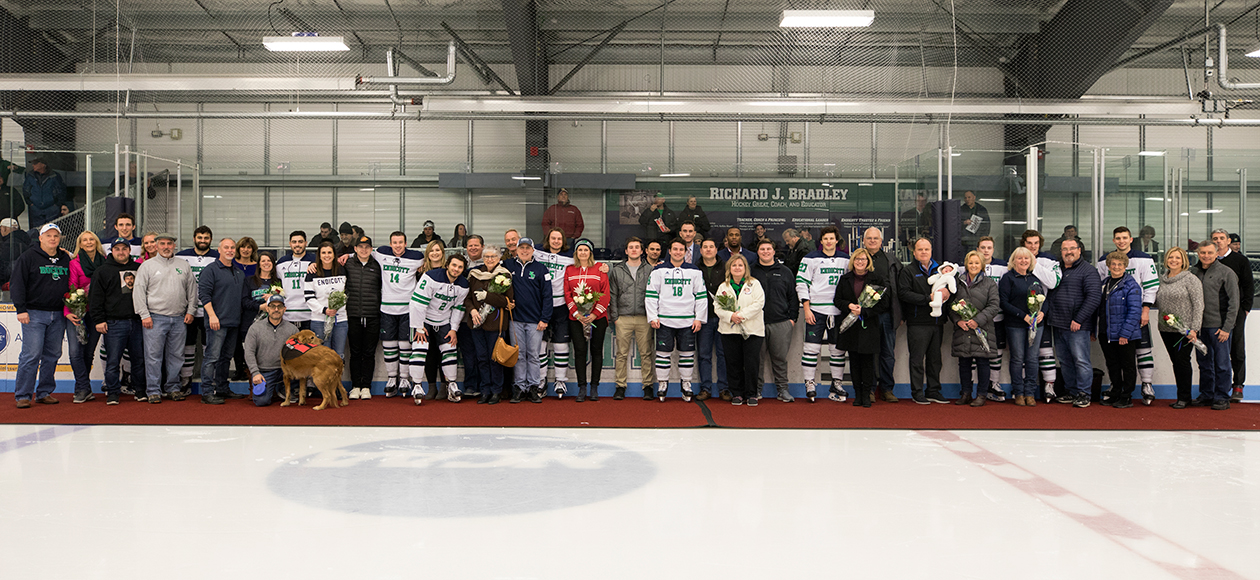 The 2018-19 Endicott men's ice hockey senior class with their families.