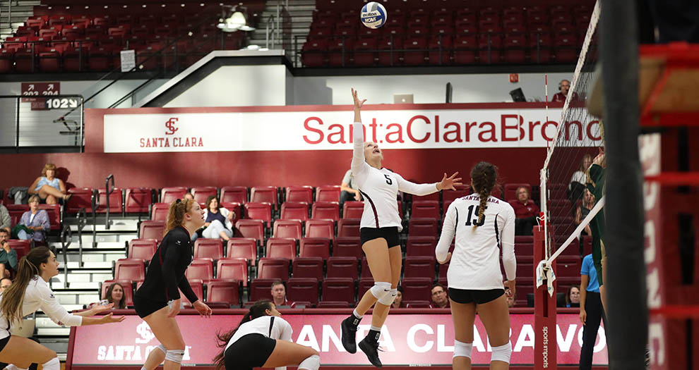 Allison Kantor (5) produced one of her most efficient matches of the season by hitting .476 on Tuesday night.