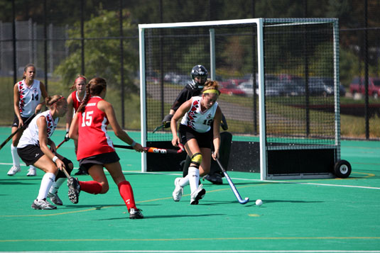 Field Hockey wins CC opener, 14-0, over Bryn Mawr