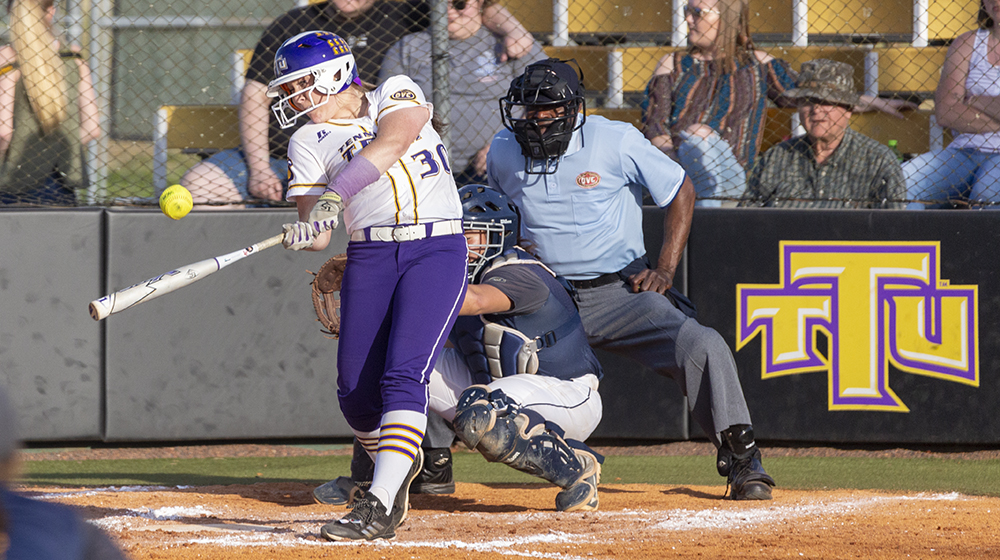 Sparks hits three HR, Thomas a walk-off HR as Tech sweeps Murray State