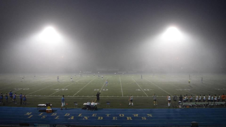 The Seahawks played in thick fog Tuesday night as they defeated the Lasers 4-3