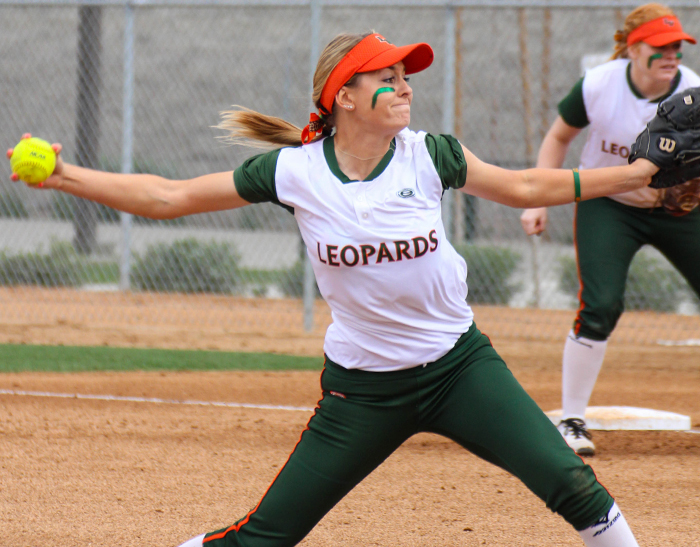 Softball falls to Cal Lutheran in doubleheader