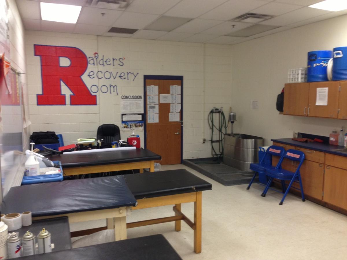 Training room riverwood high school for Athletic training facility design