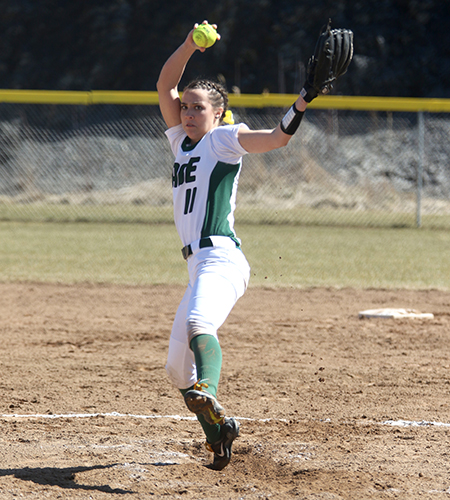Sage Softball Drops Two on Last Day of Spring Break