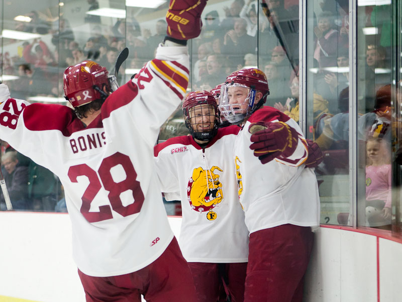 FSU Win Clinches Share Of CCHA Crown