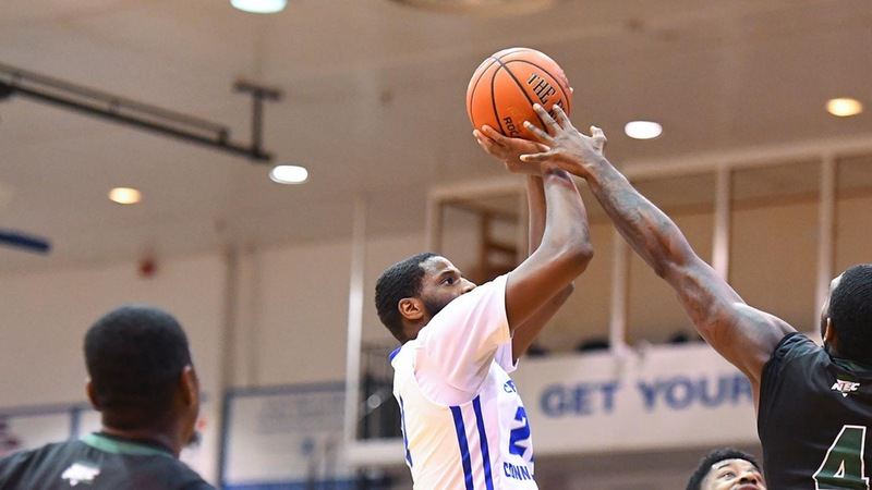 Men's Basketball Earns Important Win at First-Place Robert Morris, 77-68