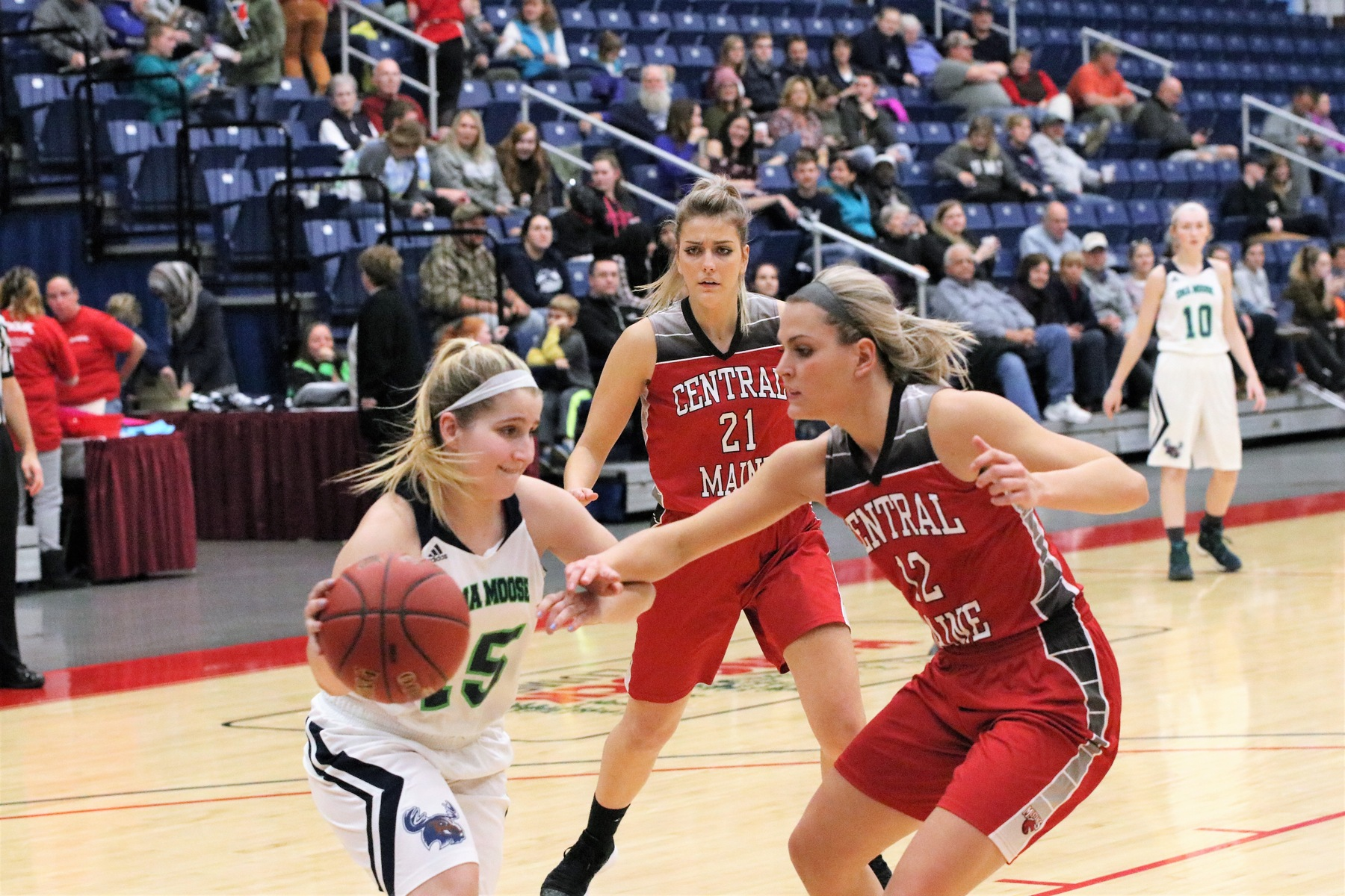 Women's Basketball races past by Berkeley (NY)