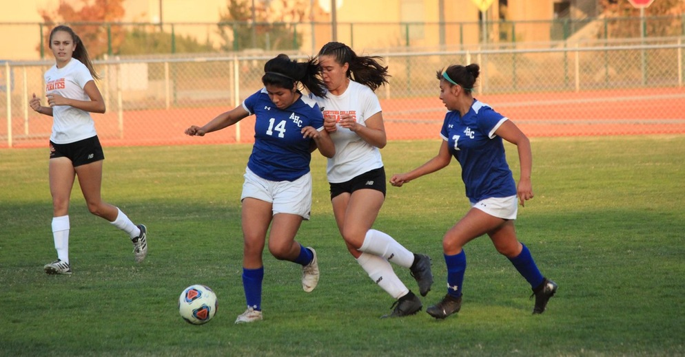 Women's Soccer Defeats Oxnard College in Final Game of the Regular Season