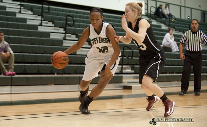 Kyarra Harmon Posts First Career Double-Double in 73-55 Win Over Arcadia