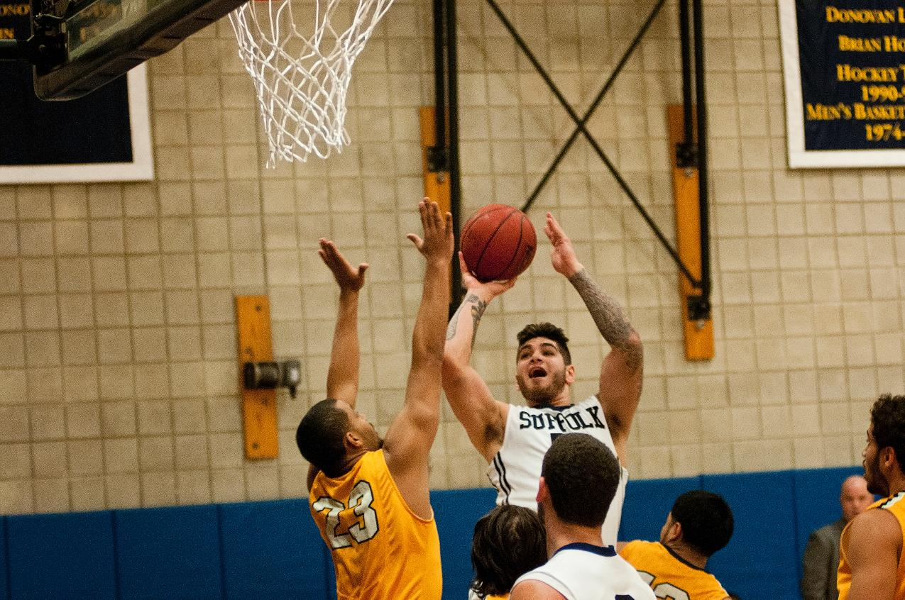 Men's Basketball Falls at Emerson, 73-54