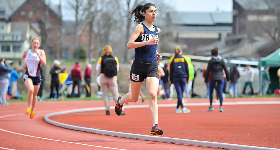 Track & Field Competes at Bowdoin's Aloha Relays