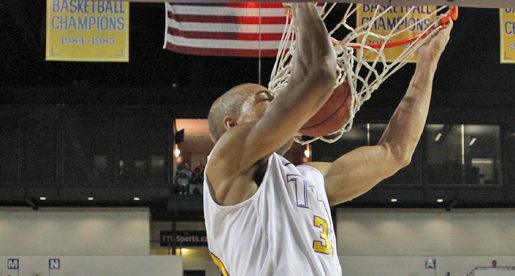 Golden Eagles come up short against Racers in Eblen Center