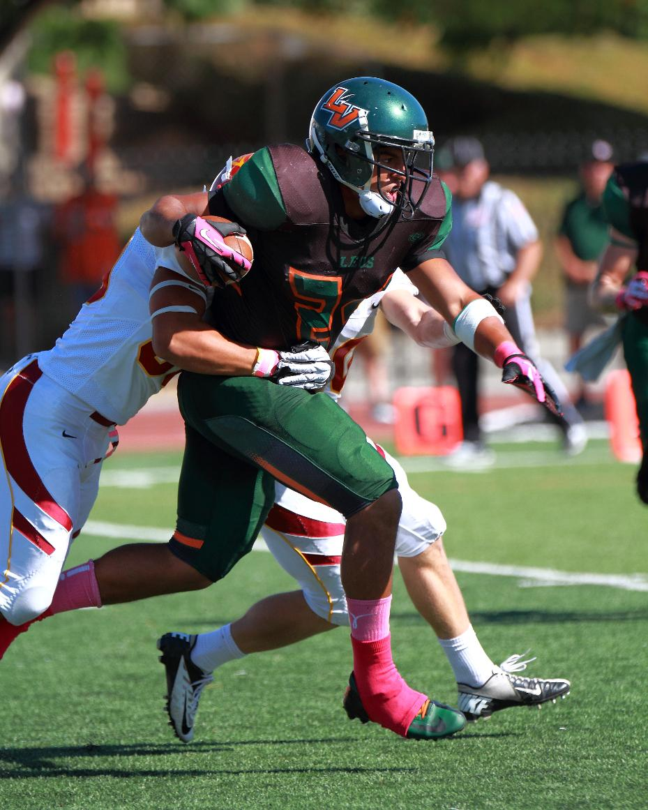 La Verne runs all over CMS for football win