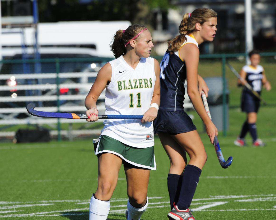 Regis College Outlasts Field Hockey, 1-0