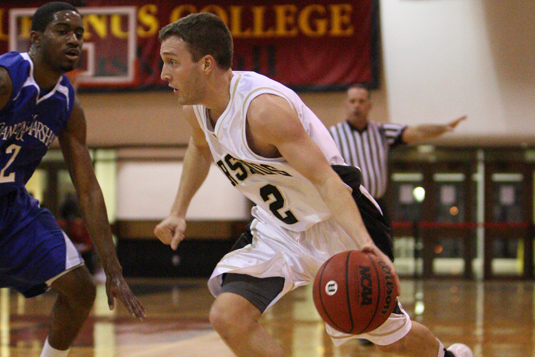 Men's Basketball holds on, defeats Muhlenberg 67-66