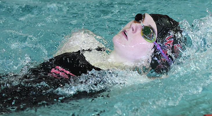 Women's Swimming Races Past SUNY Delhi