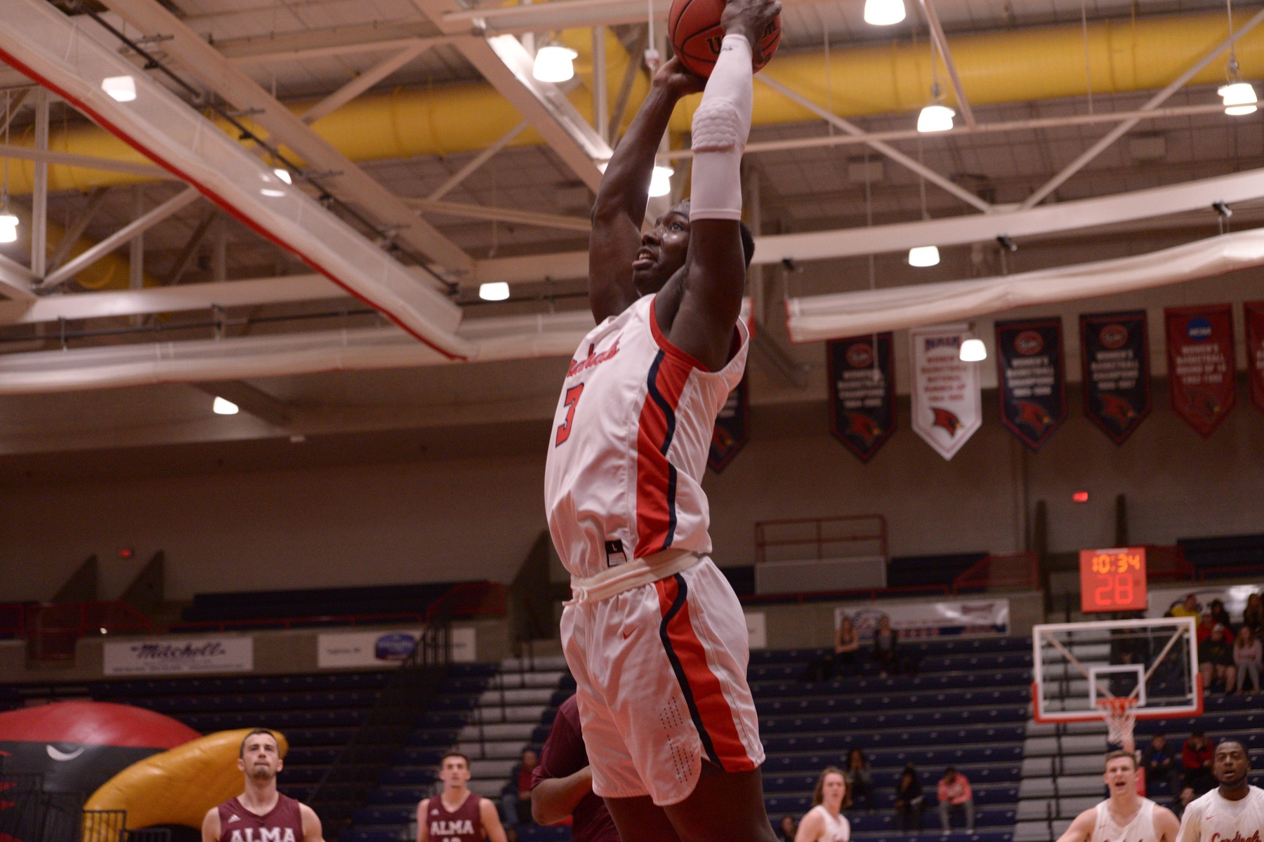 SVSU Men drop double overtime thriller at Davenport, 94-86