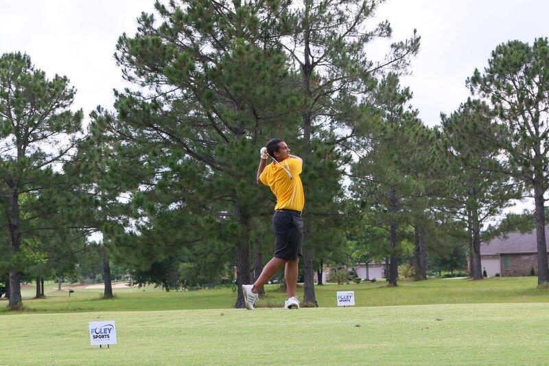 NIACC's Anthony Emanuel tees off during day 2 of the national golf tournament. Photo courtesy of Mississippi Gulf Coast CC sports information,