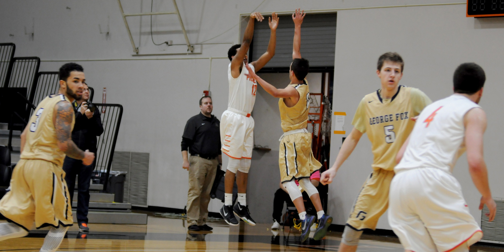 Lewis & Clark begins rally for postseason with win over George Fox