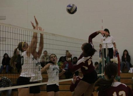 No. 3 Regis Advances to NECC Women's Volleyball Championship with 3-1 Win Over No. 2 Newbury