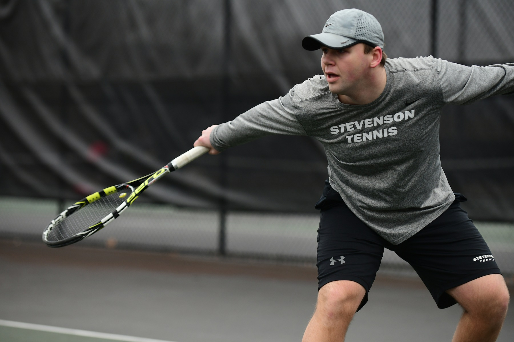 Men's Tennis Cruises Past Lycoming to Remain Undefeated