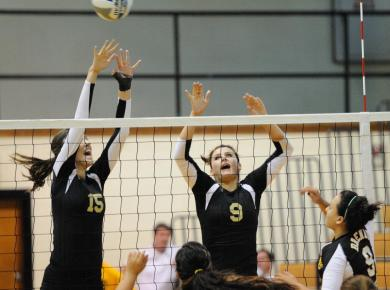 Volleyball Loses to Millsaps at SAA Tournament to End Season