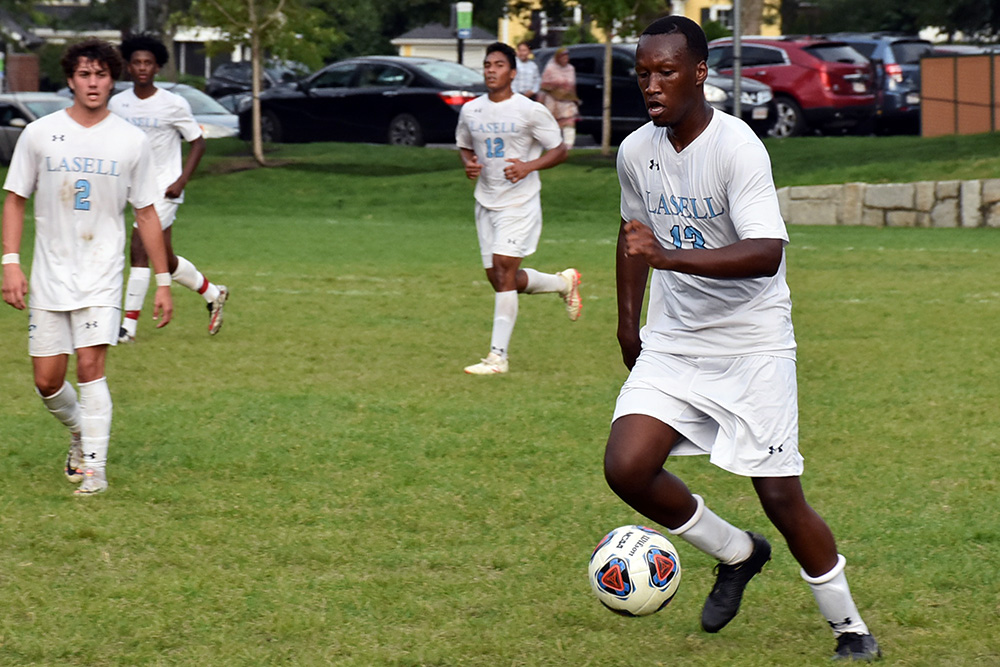 MSOC: Lasell drops GNAC game at JWU; Ouellette scores lone goal for Lasers
