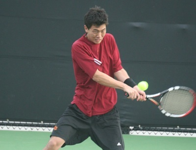 Men's Tennis Splits With Williams and Occidental