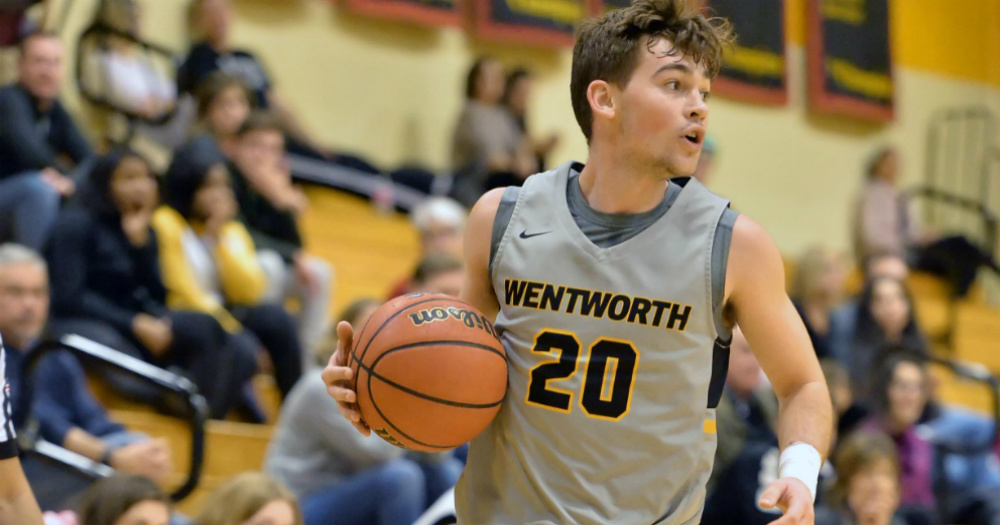 Men's Basketball Pulls Away From Roger Williams
