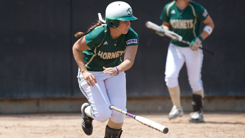 SOFTBALL FALLS IN DRAMATIC FASHION, 10-9, TO IDAHO STATE IN FIRST ROUND OF BIG SKY TOURNEY