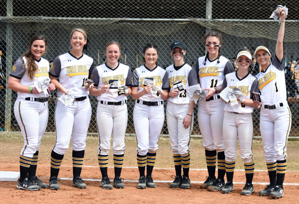 Lady Raiders Softball honors sophomores, sweeps North Central Missouri for 18th straight win