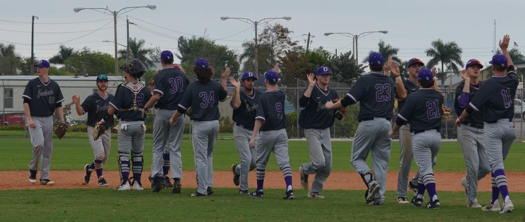 Late Game Rallies Lead to Baseball Split with Bluffton