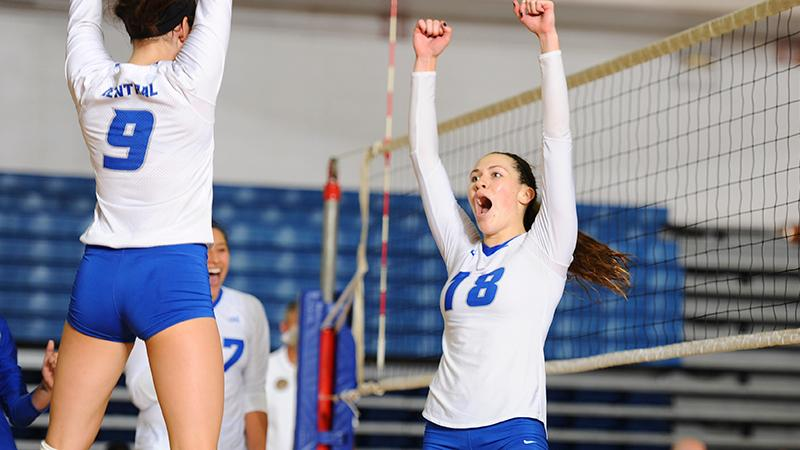 Volleyball Sweeps Saturday Matches, Wins Third Straight