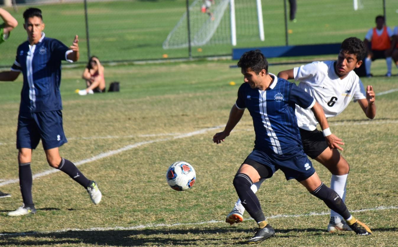 Men's soccer team can't close out Santiago Canyon at home