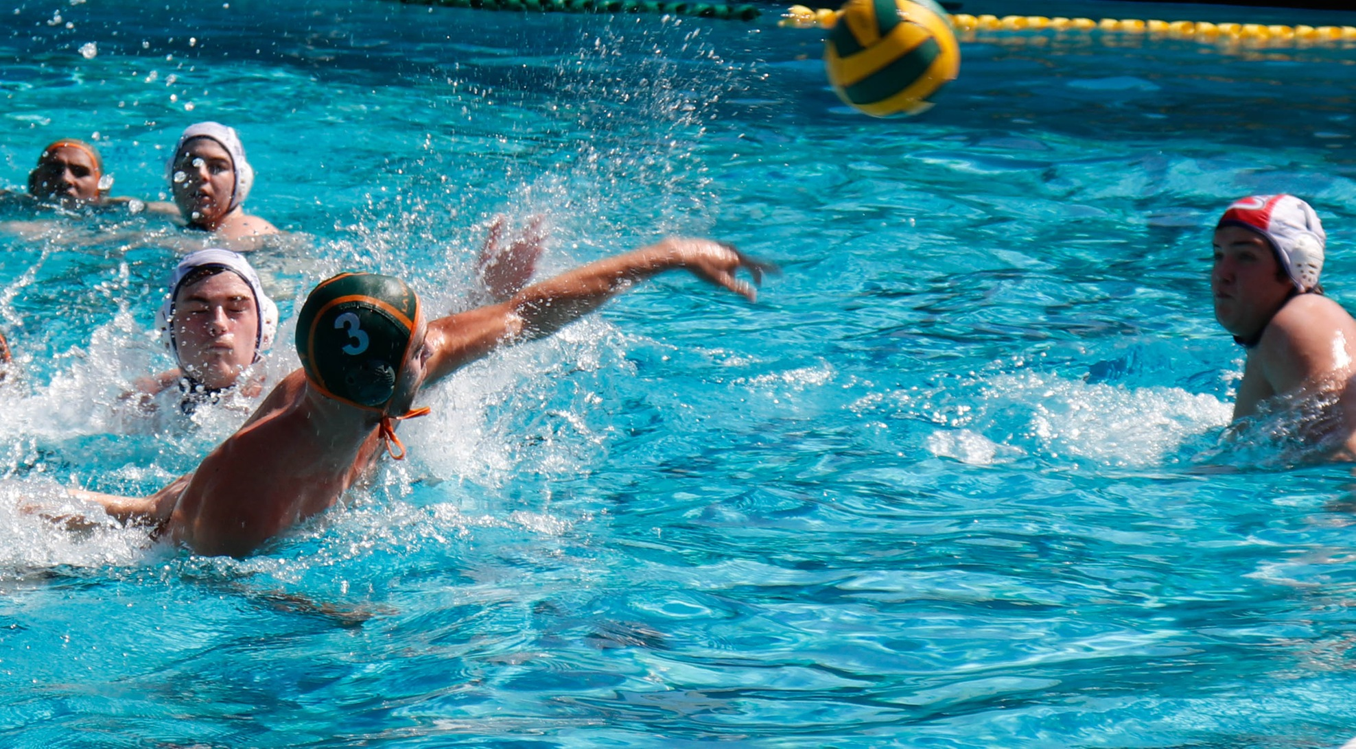 Men's Water Polo celebrates winning weekend