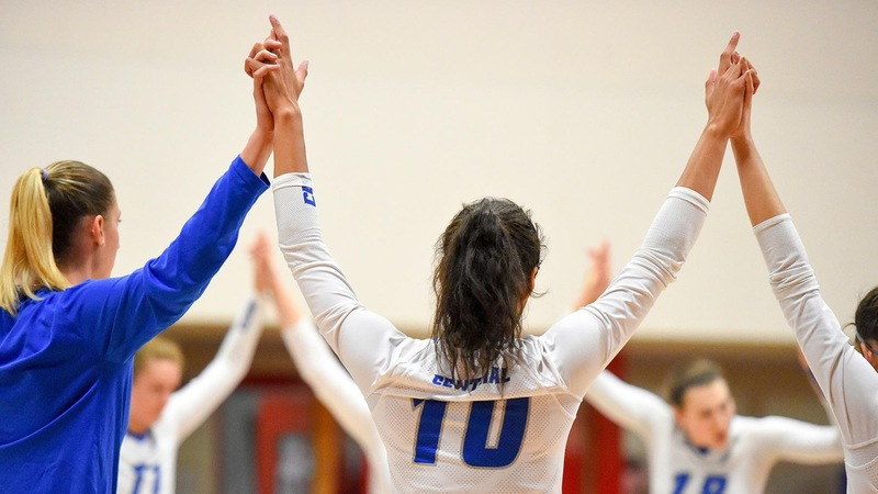 Volleyball Takes Two Matches at Hartford Invitational Saturday